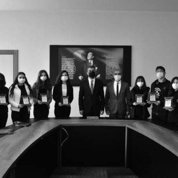 Durmuş Ali Çoban Anadolu Lisesi Avrupa'da en iyi proje ödülü aldı