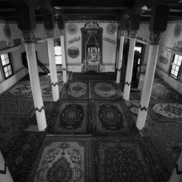 6 asırlık camii yıllar sonra yeniden ibadete açıldı