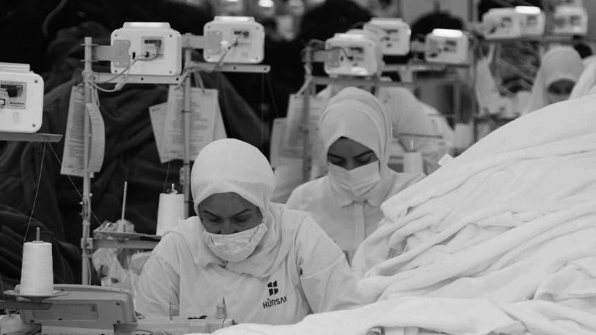 Tam kapanmada tekstil sektörü tam kapasite çalışıyor