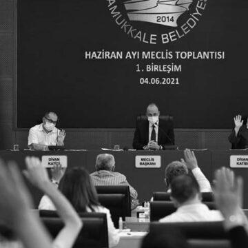 Pamukkale Belediyesi'nden esnafa 1400 lira destek
