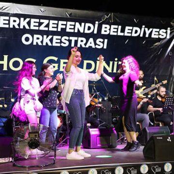 Mehmet Akif Ersoy mahallesinde muhteşem konser