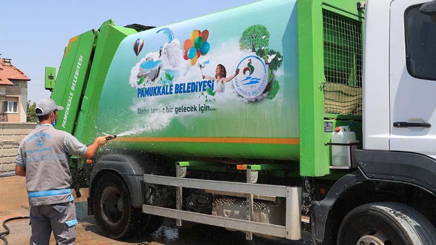 Pamukkale'de çöp kamyonlarında temizliğin kokusu