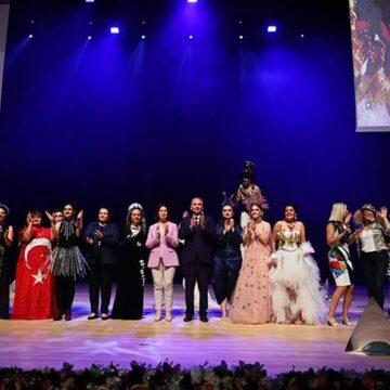 Büyükşehir'den Türkiye'nin ilk cam giysi defilesi